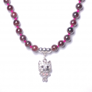 IMG 3531 Armband GABUDIA Granat Halskette geknüpft